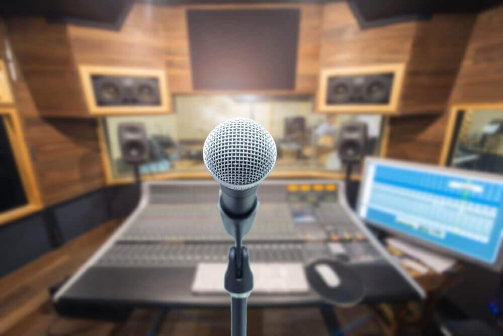 microfono en estudio de musica